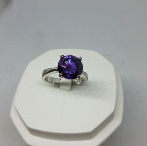 Gorgeous purple ring size 8